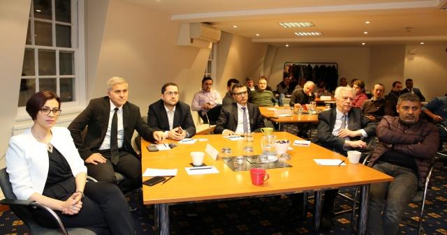 Network etkinliğine, Türk İngiliz Ticaret ve Sanayi Odası Direktörü Yavuz Sökmen, ATMB Başkan Yardımcıları Vehbi Keleş, Zeynep Turudi, yönetim kurulu üyeleri Ahmet Ferruh Öncü ve Mustafa Köker'in yanısıra farklı sektörlerden iş dünyası temsilcileri katıldı.