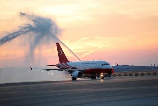 İstanbul'un Yeni Havalimanı'da İlk Cumhurbaşkanı Erdoğan'ın Uçağı İndi