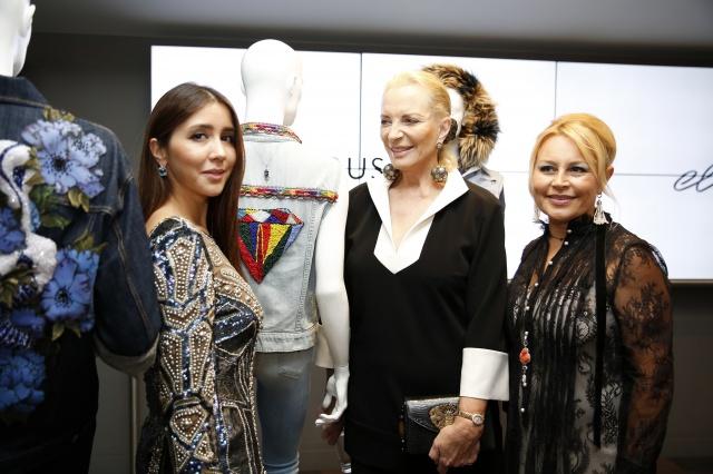 """İngiltere'nin ünlü mağazası Harvey Nichols'un İstanbul'daki 10'uncu yıldönümü nedeniyle Londra'da """"Jeanious Turks"""" isimli 11 tasarımcının kot kumaşından yaptığı kıyafetler sergileniyor. DEMSA Grubun sahip olduğu Türkiye'deki Harvey Nichols'daki sergi açılışına, DEMSA Grup Başkan Yardımcısı Demet Sabancı Çetindoğan, Kraliyet ailesinden Prenses Michael of Kent, Londra Büyükelçisi Abdurrahman Bilgiç ve eşi Esra Bilgiç, Harvey Nichols'un CEO'su Stacey Cartwright  ile çok sayıda davetli katıldı.  FOTOĞRAFLAR: MUSTAFA KÖKER"""