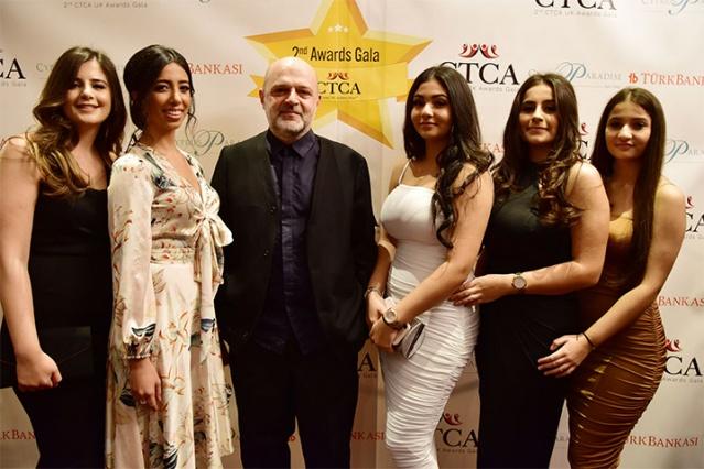 """İngiltere'deki Başarılı Kıbrıslı Türklere Ödül  İngiltere Kıbrıs Türk Dernekleri Konsey'inin ikinci defa düzenlediği İngiltere'de yaşayan """"Yılın En Başarılı Kıbrıslı Türkleri"""" ödüllendirildi. Ödül alanları, İngiltere Başbakanı Boris Johnson ve KKTC Başbakanı Ersin Tatar tebrik etti. İngiltere'nin başkenti Londra'da ikincisi düzenlenen etkinlikte, ülkede yaşayan 'Yılın En Başarılı Kıbrıslı Türkleri' ödüllerendirildi.  FOTOĞRAFLAR: HALİL YETKİNLİOĞLU"""