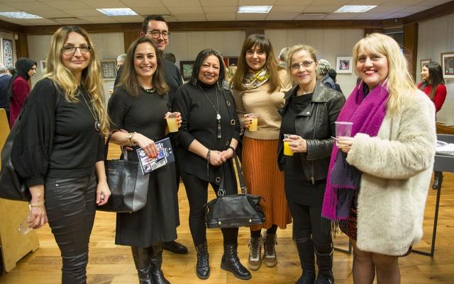 Londra'da, Türkiye'nin Londra Başkonsolosluğu ve Londra Yunus Emre Enstitüsü (LondraYEE), tarafından seçilen sanat eserlerinden oluşan bir sergi düzenlendi.  Serginin amacı, Birleşik Krallık'ta yaşayan Türk sanatseverlere, amatör ya da profesyonel, eserlerini sergilemeleri için bir fırsat tanımak ve onların buluşmalarına yardımcı olmak şeklinde ifade edildi.  FOTOĞRAFLAR: HALİL YETKİNLİOĞLU