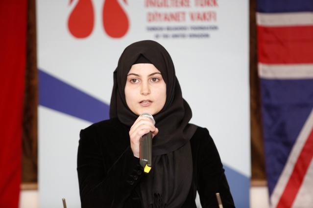 İngiltere Türk Diyanet Vakfı tarafından düzenlenen 'Kutlu Doğum' programı yoğun bir katılımla gerçekleşti. Bu yıl, 'İnsanlığı Yüceltmek İçin Gelin Birlik Olalım' temalı olarak düzenlenen program ve Pazar günü Londra'nın Edmonton bölgesindeki Darur Rahman Hall'de yapıldı. Konuşmacılar, dünyanın ve İslam aleminin zor bir dönemden geçtiğine dikkat çekerek, 'barış ve huzur' temennisinde bulundular.  FOTOĞRAFLAR: MUSTAFA KÖKER
