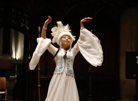 Orta Asya Forum Tarafından Cambridge Jecuc College'de düzenlenen Nevruz kutlamaları renkligörüntülerle kutlandı.  Kutlama önce Shavkat Mirziyoyey'in 'Central Asian Heads of States' kitabının tanıtım ve tartışması için yazar ve eleştirmenler biraraya geldi.  FOOTOĞRAFLAR EUROVİZYON'DAN İZİNALINMADAN YAYINLANAMAZ
