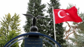 18 Mart Şehitler Günü#039;nde, İngiltere#039;deki Türk Şehitler Londra Hava Şehitliği#039;nde Anıldı