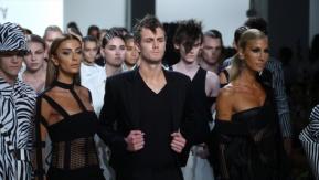 Hakan Akkaya'nın, New York Moda Haftası Defilesi