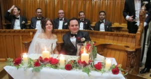 Timuçin Avni Wickham'a, Krallar Gibi Düğün