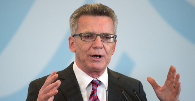 """Almanya İçişleri Bakanı: """"Aşırı sağcı terör yapılarının tehlikesi artıyor"""""""
