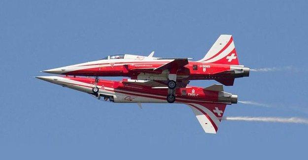 Türk Yıldızları'ndan çarpışan uçak açıklaması