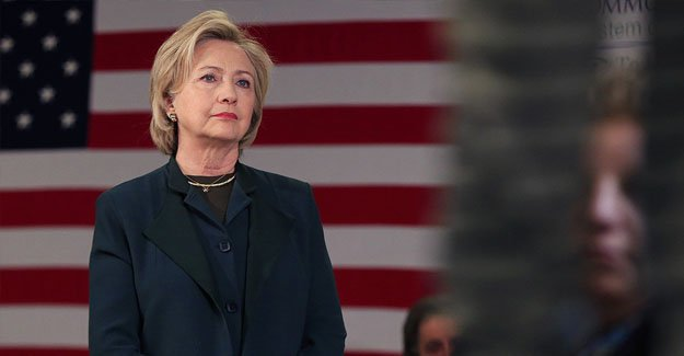 Hillary Clinton FBI'a ifade verdi!