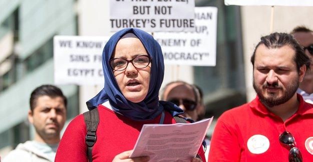 İngiliz medyasının yanlı yayınlarına protesto