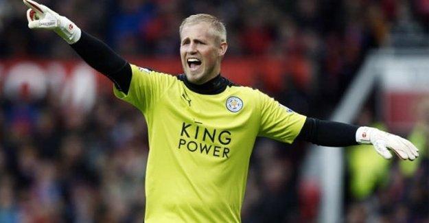 Leicester City, Schmeichel'ın sözleşmesini yeniledi