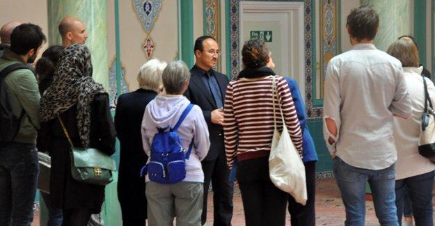 Süleymaniye Camii'ne yabancı ziyaretçi ilgisi