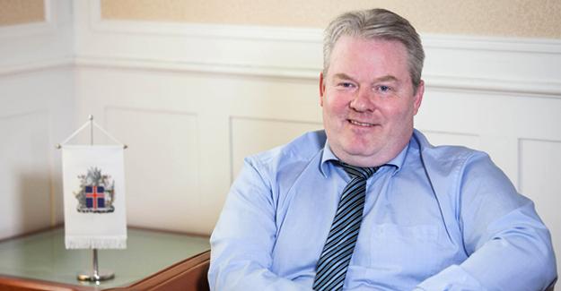 İzlanda Başbakanı Johannsson istifa etti