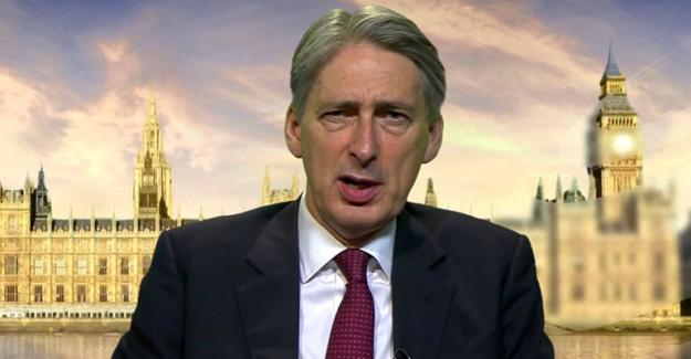 İngiltere bütçesi 25 milyar sterlin ek açık verebilir