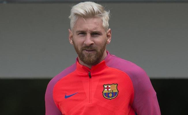 Messi saçlarını neden sarıya boyattığını açıkladı