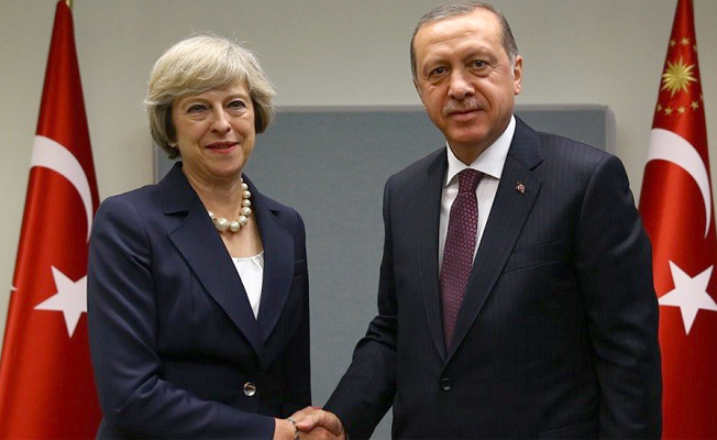 Erdoğan, İngiltere Başbakanı May ile telefonda görüştü
