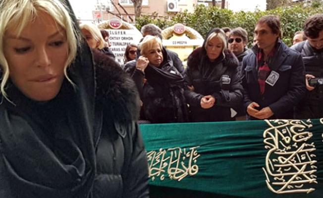 Bülent Ersoy ve Ajda Pekkan cenazede bile barışmadı