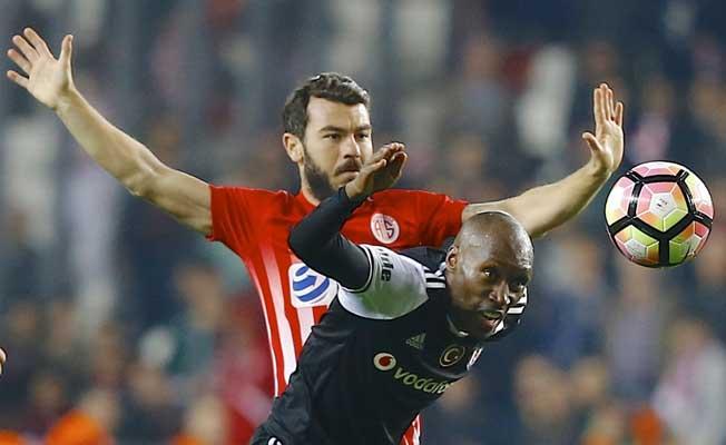 Antalyaspor, Beşiktaş'ı tek puanla gönderdi