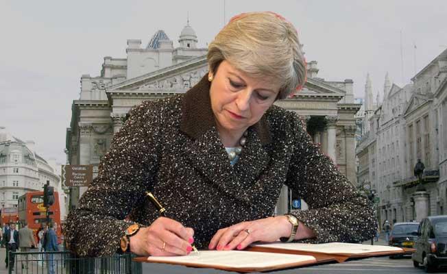 İngiltere'de piyasalar Brexit ile geriliyor