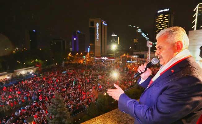 Başbakan Yıldırım'ın balkon konuşması