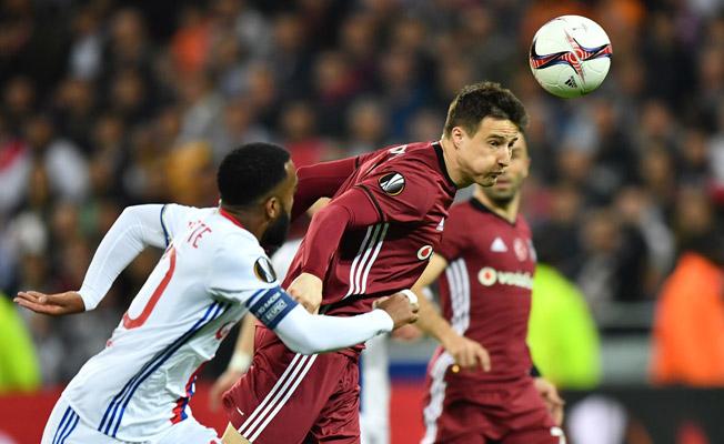 Beşiktaş başladı, Lyon bitirdi