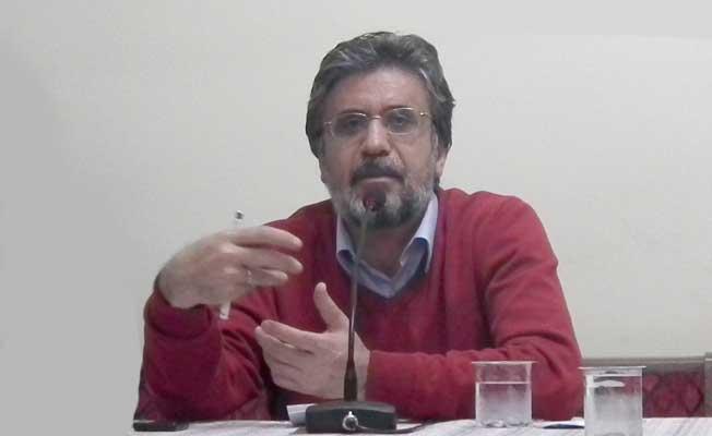 Yazar Akif Emre hayatını kaybetti
