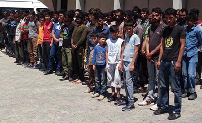 Arıza yapan 40 kişilik otobüsün içinden 150 kaçak çıktı