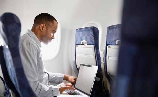 İngiltere uçuşlarında 'laptop' yasağı kalktı