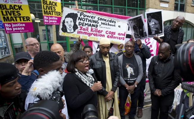 Londra'da Rashan Charles protestosu