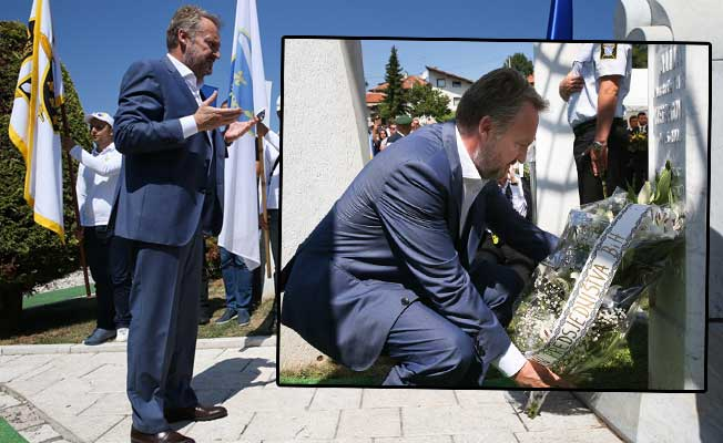 Aliya İzetbegoviç mezarı başında anıldı