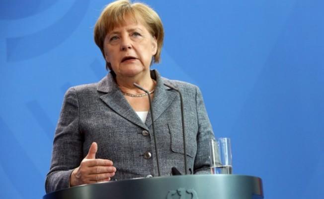 Merkel ilk hedefini açıkladı