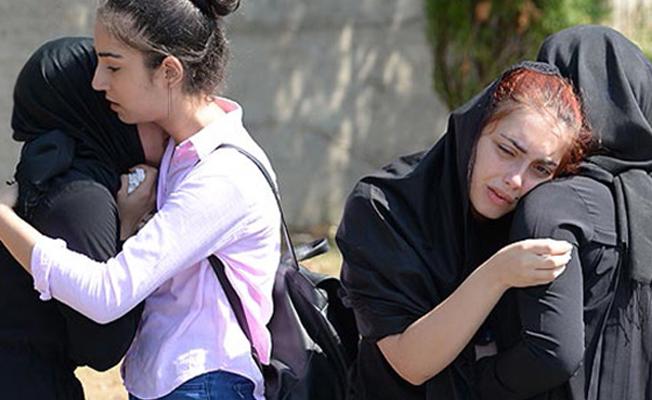 Amerika'da kazada ölen 2 genç kız son yolculuğuna uğurlandı