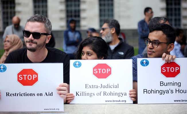 Arakan'daki Müslüman katliamı Londra'da protesto edildi