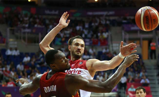 Basketbolun '12 Dev Adamı'ndan Harika Sonuç