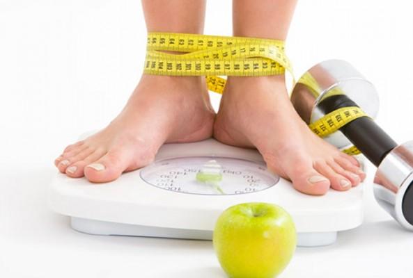 Aç kalarak kilo vermek daha çok kilo aldırıyor