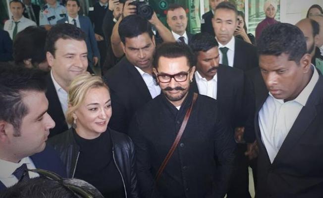 Bollywood Starı Aamir Khan Sulukule Korosuna şeflik yaptı