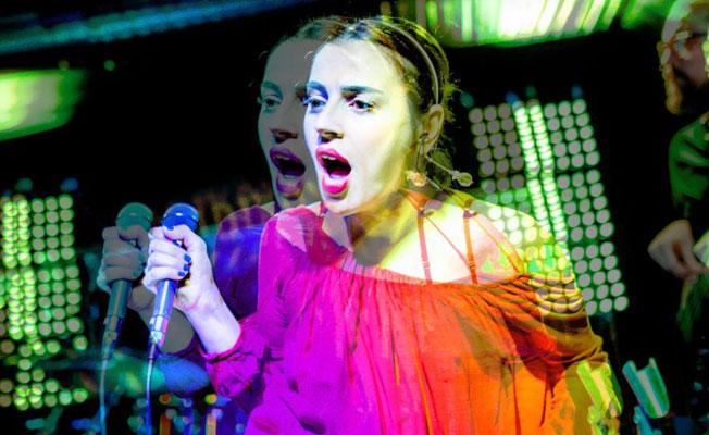 Ceylan Ertem ilk konser için Londra'ya geliyor