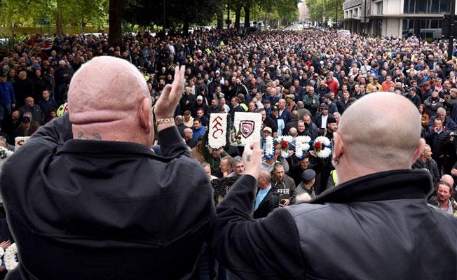 Londra'da aşırı sağcı platformdan terör karşıtı yürüyü