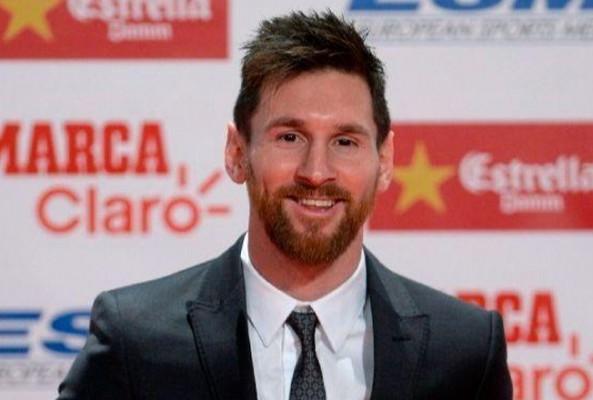 Barcelona, Messi'nin sözleşmesini 2021 yılına kadar uzattı
