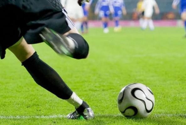 FIFA'dan 3 yeni kural: Maçta artık taçlar ayakla kullanılacak