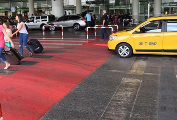 İstanbul'da İngiliz turistten 3 bin liralık taksi ücreti alındı