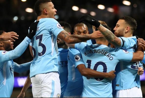 Manchester City son dakikada kazandı