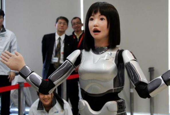 Robota ikametgah verildi