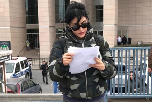 Tuğba Ekinci'den, Nur Yerlitaş hakkında suç duyurusu