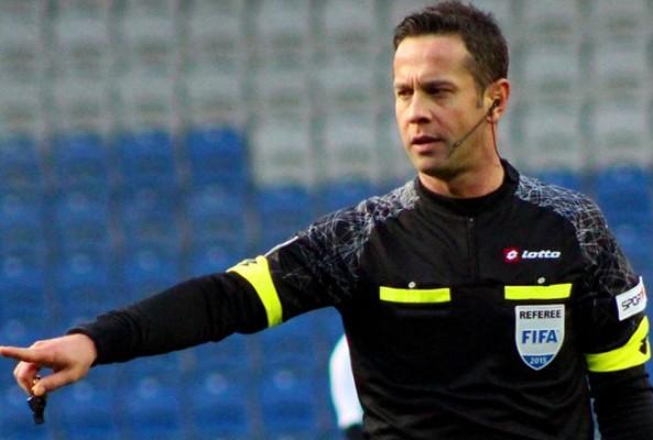 Türk hakem Halis Özkahya'dan, UEFA Avrupa Ligi'nde skandal hata