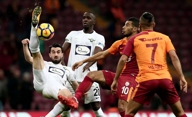 Galatasaray Akhisar karşısında 4 dörtlük