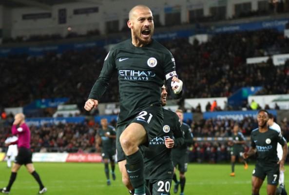 Manchester City İngiltere'de iki rekor daha kırdı