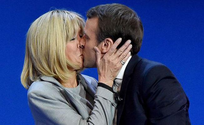 Macron, gençliğinde 'erotik roman yazarıydı'