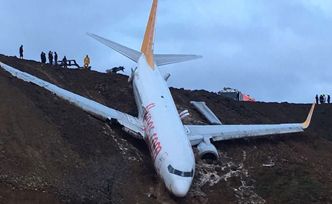 Uçak faciasının ciddiyeti gün ağarınca ortaya çıktı