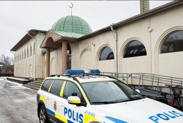 Almanya'da son üç haftada 13 cami saldırısı yapıldı
